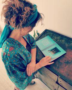 Blauw kimono boek bloei Anne-Lies